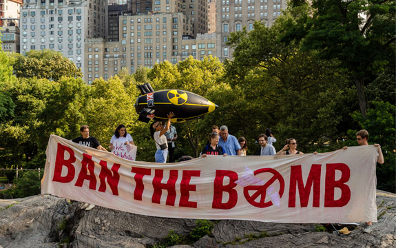 ICAN campaigners in front of the Central Park skyline in New York   Photo: Ralf Schlesener