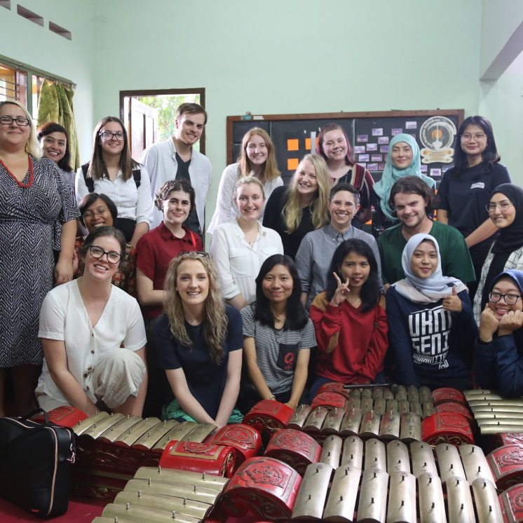 To get an in-depth sense of Indonesia's culture, Swinburne students visited Santana Dharma University to mingle and learn the lifestyle of the local and even had the opportunity to learn the traditional instruments.